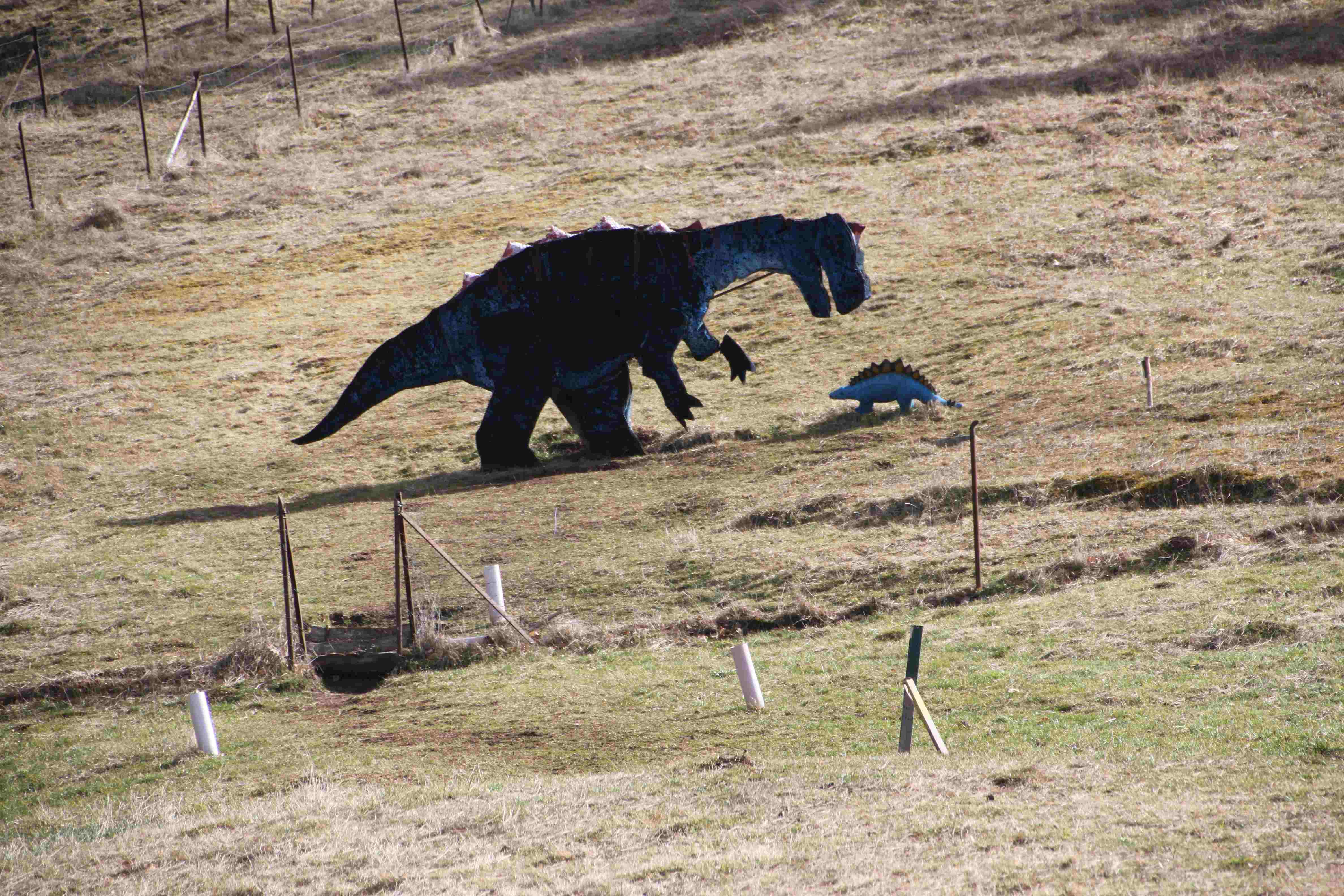 Grosser Dino frisst kleinen